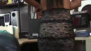 Teen goes to pawn shop and shows pussy Thumbnail