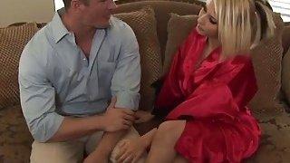 Nasty blonde masseuse gives blowjob during bath Thumbnail