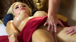 HBig tits blonde is getting her pussy licked during massage Thumbnail